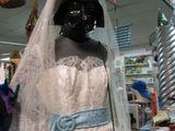 Hübsches Hochzeitskleid