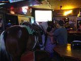 Kommt ein Pferd in eine Bar