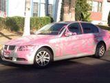 Sie wollte ein pinkes Auto