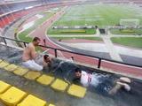 Leichter Regen über dem Stadion