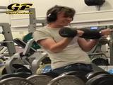 Grimassen im Fitnessstudio